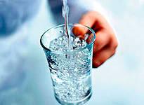Вода задерживает старение человека